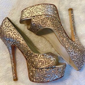 Alice + Olivia Gold Laser cut Heel
